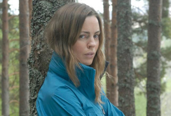 Melissa-George-A-Lonely-Place-to-Die-09